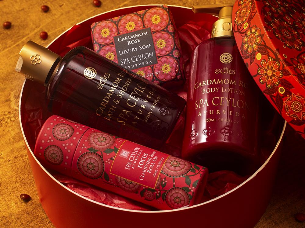 34221 - Luxury Festive Hamper (1) - Cardamom Rose